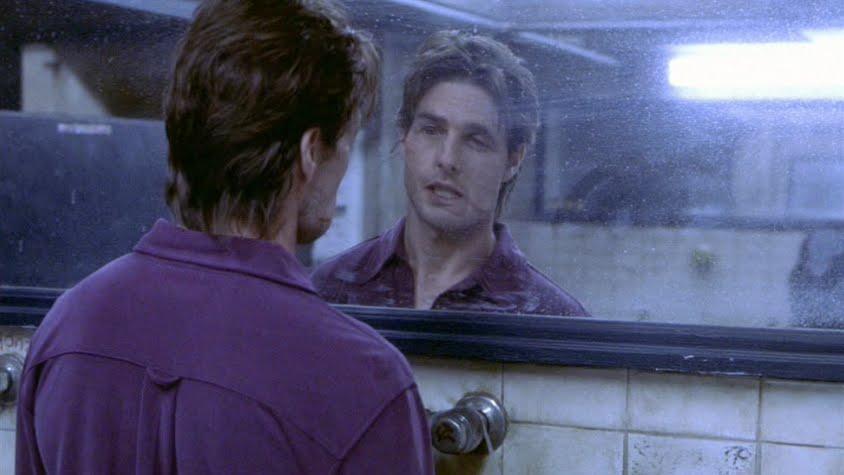 Tom Cruise nello specchio della discoteca - Vanilla Sky